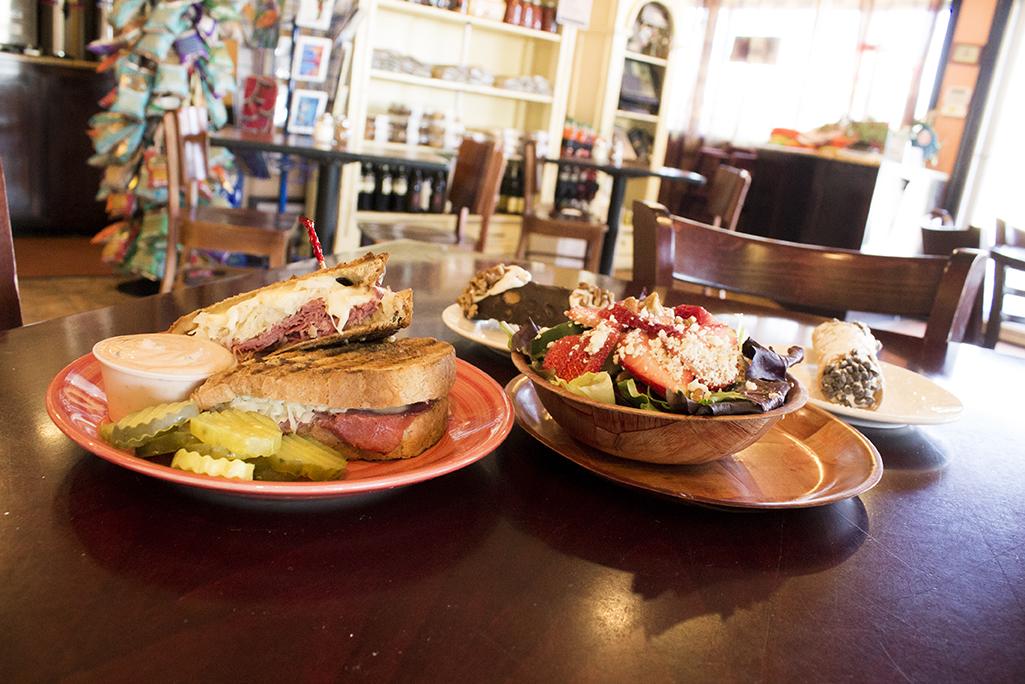 Gelato Joe's Italian Restaurant and Tiki Bar