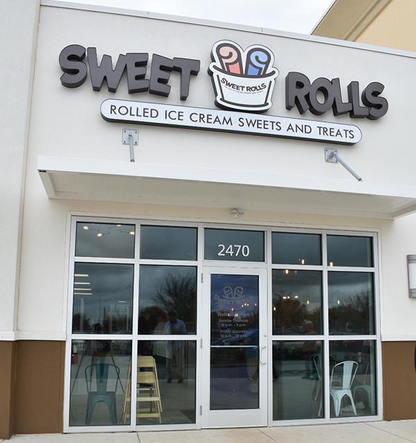 Sweet Rolls Rolled Ice Cream